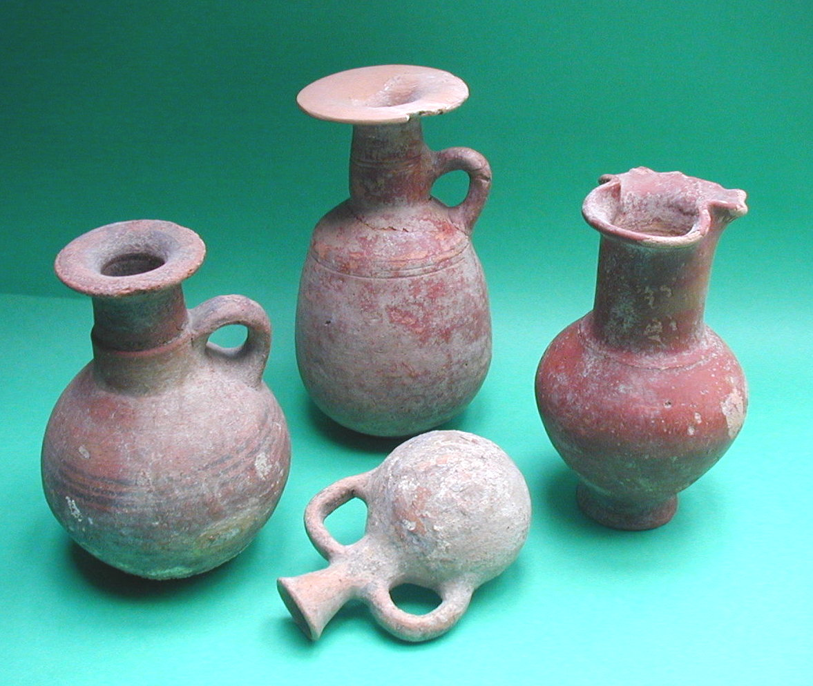 Artifacts from the Cemetery at Achzib Courtesy of the Israel Antiquities Authority