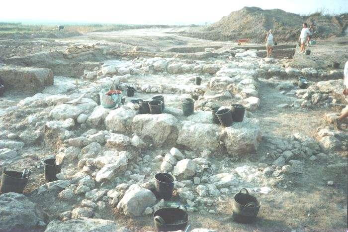 Tel Miqne -- Ekron -- 1996 Photos (Antiquity of Man)