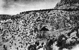 Shanidar Cave(Doctor Ralph Solecki)